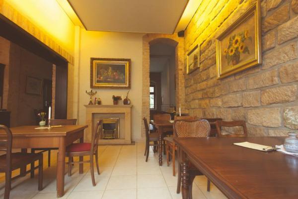 b hme sebnitzer stra e 11 in 01099 dresden restaurants. Black Bedroom Furniture Sets. Home Design Ideas