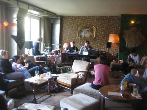 wohnzimmer bar dresden:Wohnzimmer – Jordanstraße 27 in 01099 Dresden – Bar – restaurant01.de